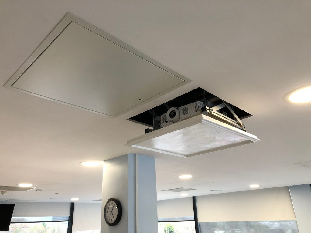projector installers Greatre Manchester
